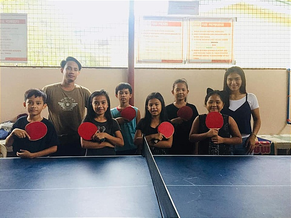 junior ping pong players